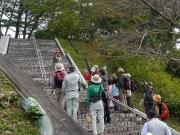 急な階段はジャンケンで楽しく登ろう