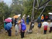 小雨の中の自然解説風景
