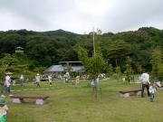 修景庭園前で昆虫採取