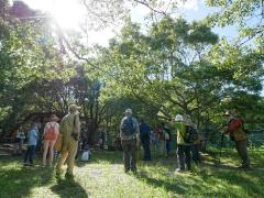 葦毛湿原での観察会はいつも多くの参加者
